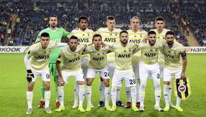 Fenerbahçede mecburi değişiklik Orta saha sürprizi...