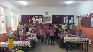 Üniversite öğrencilerden ilkokullu miniklere 'kitap okuma alışkanlığı' kampanyası