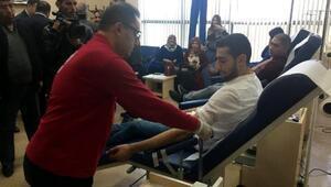 Siirtte sağlıkçılardan kan bağışı