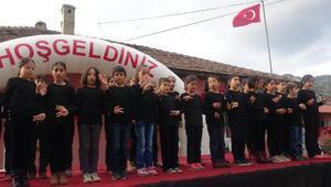 İstiklal Marşını işaret dili ile okudular