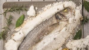 Tuzda balık nasıl yapılır İşte tarifi ve hazırlanışı