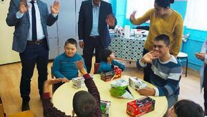 Kaymakamdan engelli öğrencilere ziyaret