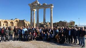 Turizmciler Manavgatı gezdi