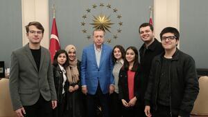 Cumhurbaşkanı Erdoğan, gençleri Külliyede ağırladı