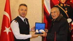 Albay Çömez, şehit babasını ağırladı