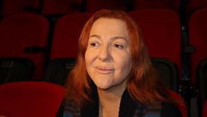 Su bardağına yanlışlıkla...  Ünlü tiyatrocu Sumru Yavrucuktan açıklama