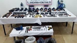 Diyarbakırda kaçak silah operasyonu: 5 gözaltı