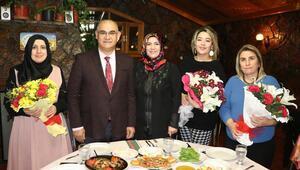 Başkan Mustafa Çay'dan kadın meclis üyelerine jest