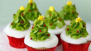 Yeni Yıla Özel: Yılbaşı Ağaçlı Mini Kekler