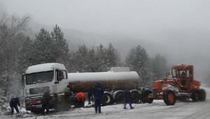 Domaniçte kar, ulaşımı olumsuz etkiledi