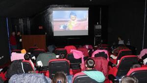 Çukurcalı öğrenciler ilk kez sinema ile tanıştı