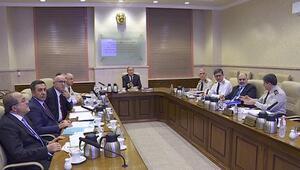 Hulusi Akar başkanlığında yeni askerlik sistemine ilişkin Milli Savunma Bakanlığında toplantı yapıldı