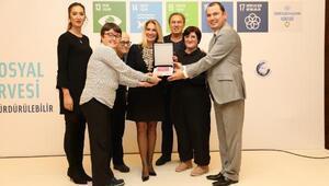 Sabiha Gökçene kurumsal sosyal sorumluluk ödülü