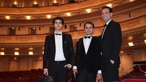 Üç genç yetenek New York Carnegie Hallda konser verdi