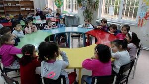 Öğrencilere kütüphane ve kütüphane kuralları hakkında bilgi verildi