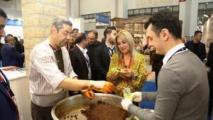 İzmir fuarında çiğ köfteli Şanlıurfa tanıtımı