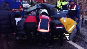 Otomobil TIRın altına girdi; astsubay öldü, eşi ve çocukları yaralı