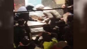 Fransanın Saint-Étienne kentinde bir grup eylemci mağaza yağmaladı