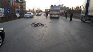 Kırıkkalede kamyonun çarptığı bisikletteki 3 kardeş yaralandı