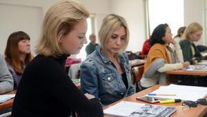 Yabancılar Türkçeyi ASMEKte öğreniyor