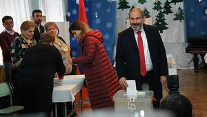 Son dakika... Ermenistanda seçimin galibi belli oldu