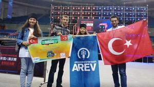 Ardahanlı öğrenciler Çin'deki yarışmada ilk 10 okul arasına girdi