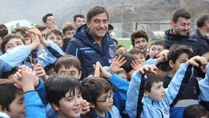 Ünal Karaman, Artvin'de Trabzonspor Futbol Okulunun açılışına katıldı