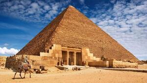 Piramitte cinsel ilişkiye soruşturma