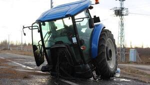 TIR ile çarpışan traktör ikiye ayrıldı