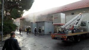 Trafo patladı, kepenkleri elektrikli olan esnaf dükkanını açamadı