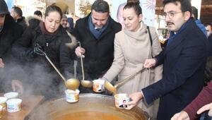 Ak Parti ve Burdur Belediyesi çorba dağıttı