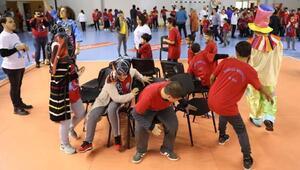 Özel öğrenciler Sokak Oyunları Şenliği ile eğlendi