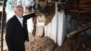 Adıyamanda camiye yağmur suyu doldu (2)