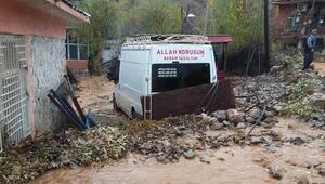 Gergerde yağmur su baskınlarına neden oldu