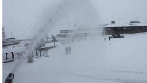 Erciyeste kar kalınlığı 25 santime ulaştı