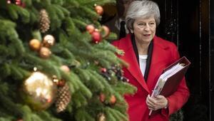 İngiltere Başbakanı Theresa Maya güven oyu