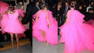 Yol açın, Diva ile elbisesi geldi