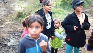 7 yaşındaki göçmen gözaltında öldü