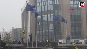 Brükselde göçmen karşıtları AB Komisyonu binasına girmeye çalıştı