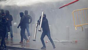 Son dakika.. Brükselde göç karşıtı gruba polis müdahalesi