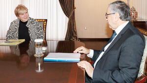 BM'den Kıbrıs'ta mekik diplomasisi