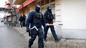 Berlin polisi o adresleri tek tek bastı
