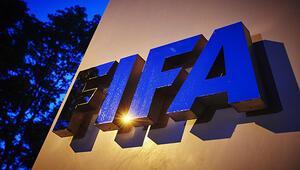 FIFA, dünyanın ilk kadın futbol hakeminin bir Türk olduğunu tescilledi