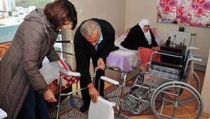 Balçovada belediye yaşlılara evlerinde bakıyor