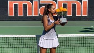 Melisa Ercan Orange Bowl'da şampiyon oldu