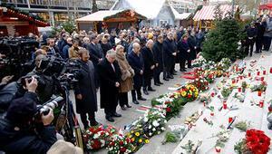 Almanya'da 'Noel Pazarı' kurbanlarına anma töreni