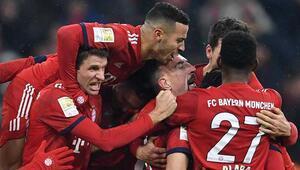 Bayern Münih tek attı 3 aldı