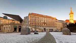 Viyana'da Bruegel, Monet ve balo mevsimi