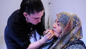 Ayşe teyze 41 yıl sonra makyaj yaptı