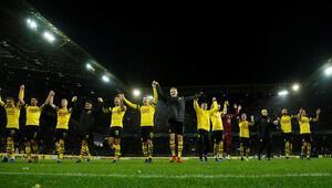 Lider Borussia Dortmund ilk yarıyı galibiyetle tamamladı